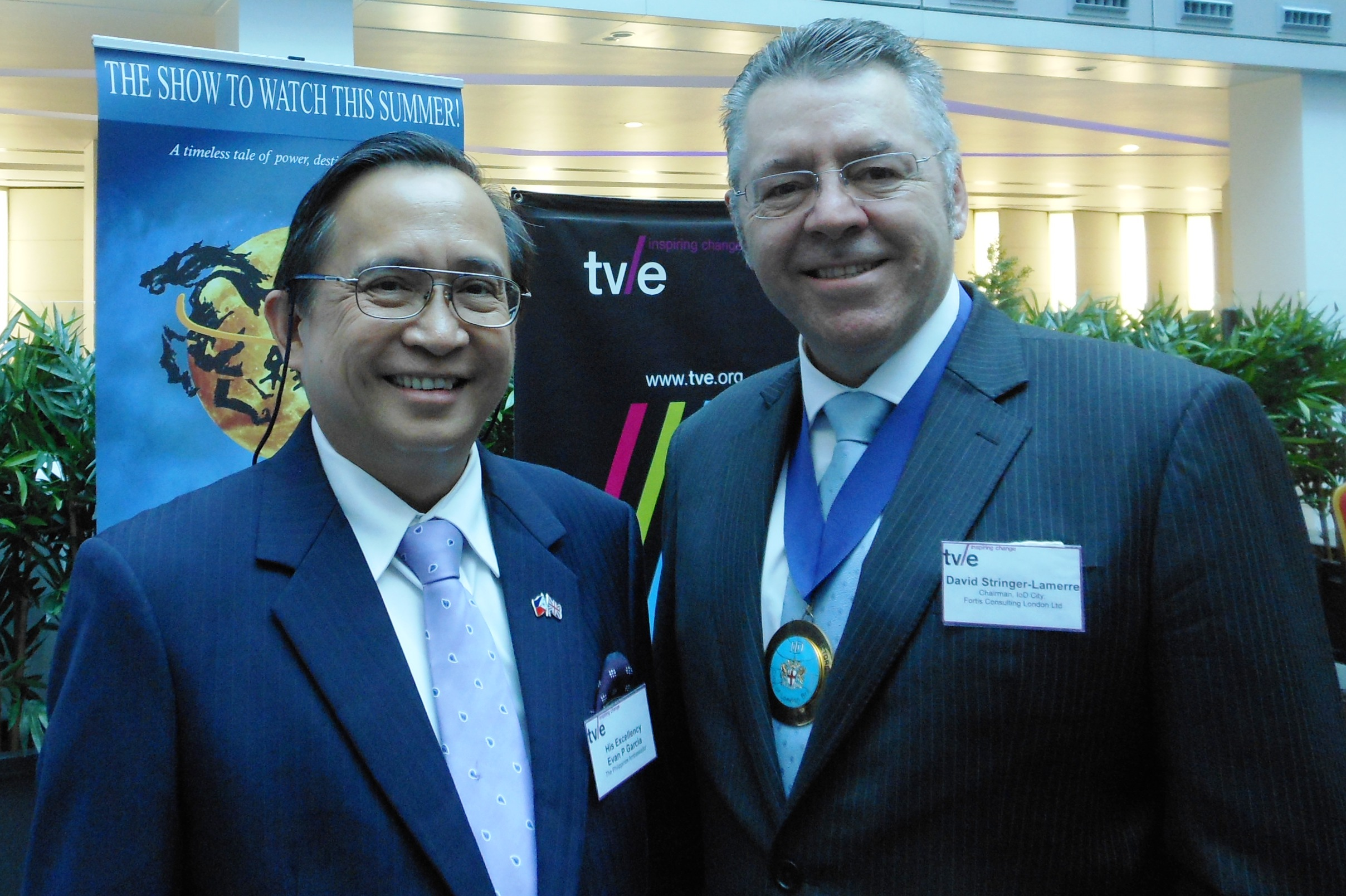 Left to right: HE Evan P Garcia, Ambassador of the Philippines & David Stringer-Lamarre