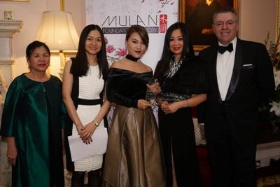 mulan-winner-111217-400x267